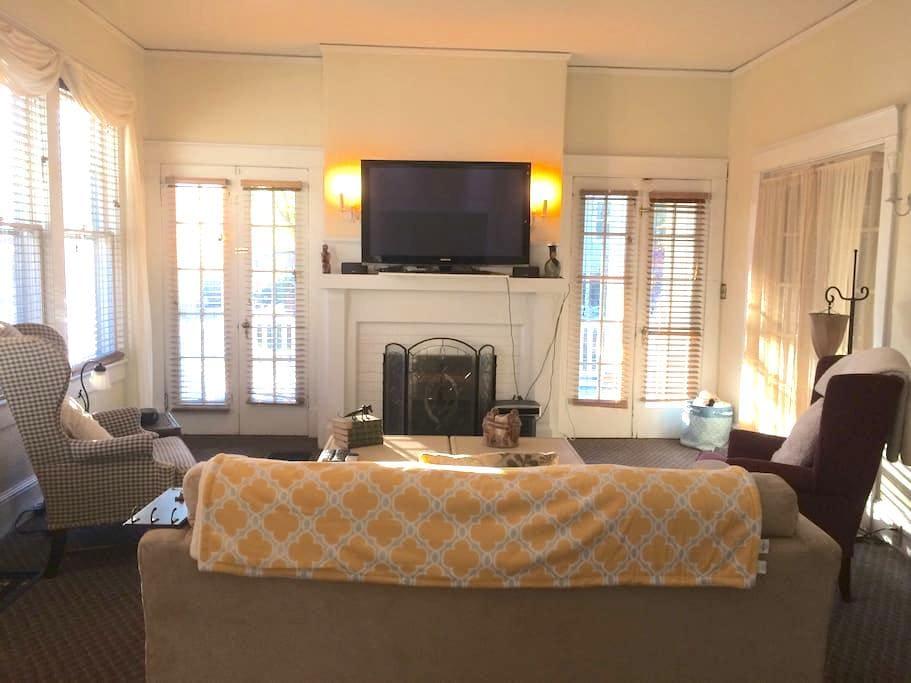Large Updated Historic Gem - Sanford - Maison