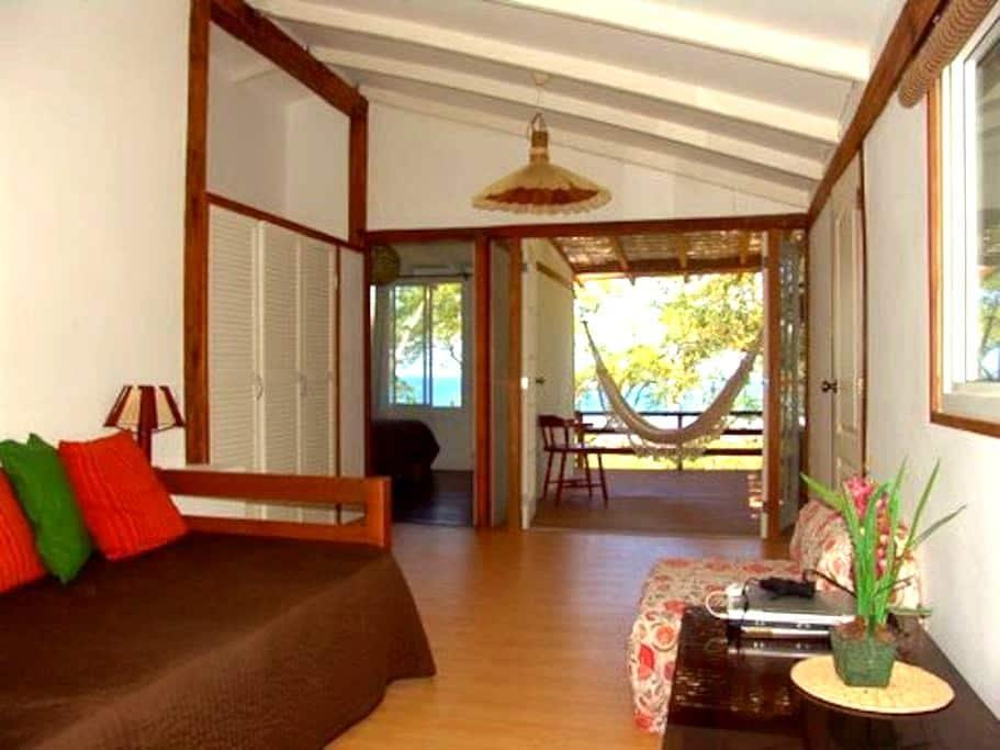 La Casa de Curia ocean View Cottage - Curia