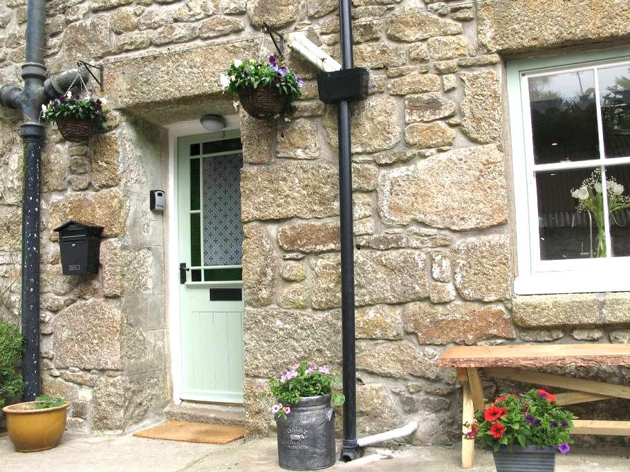Idylic Cornish Cottage with garden near Mousehole - Trungle