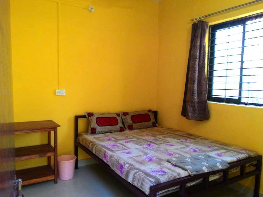 Cozy Double Room at Anjuna, Centrally located - Anjuna - Apartment