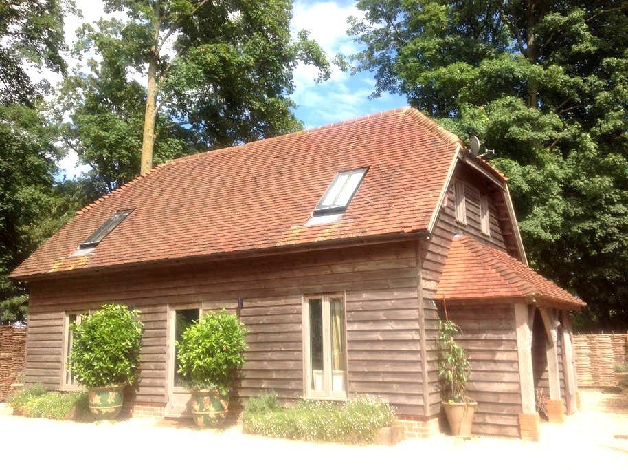 Oak Framed Barn Self Catered - Winchester - Casa