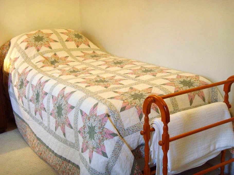Single room 18th century cottage - Yapton