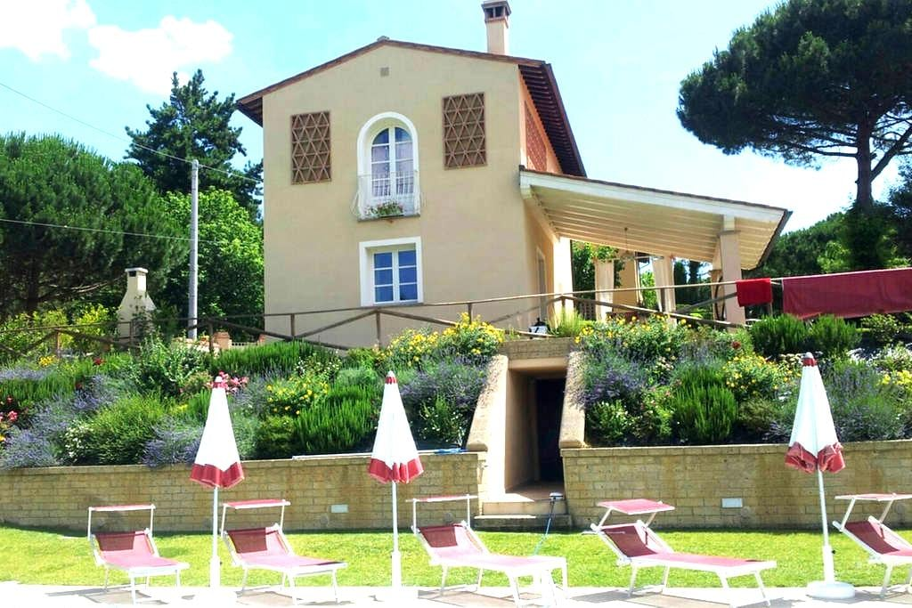 indip. House, private pool & garden - Montopoli in Val d'Arno