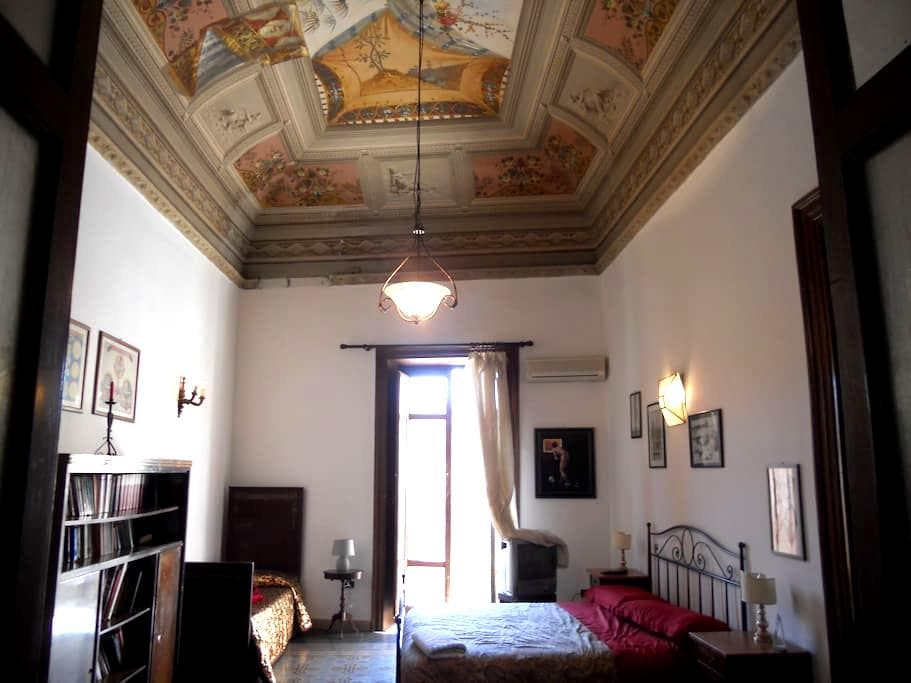 Loft Piazza Politeama, appartamento nobiliare. - Palermo