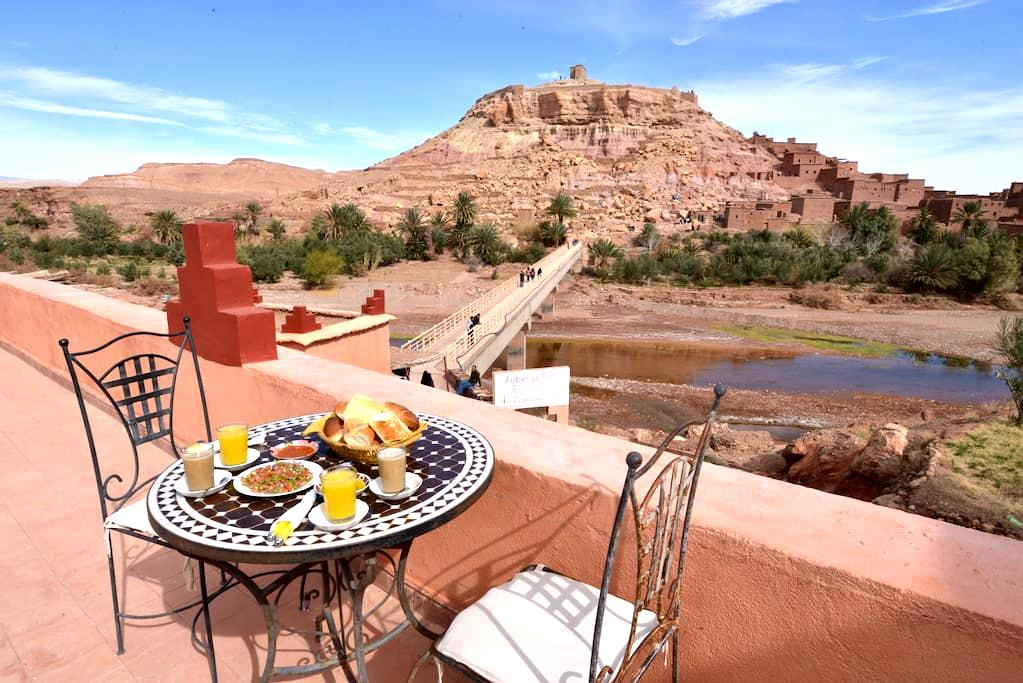 Family room for 4 with Breakfast - Aït Ben Haddou - Inap sarapan