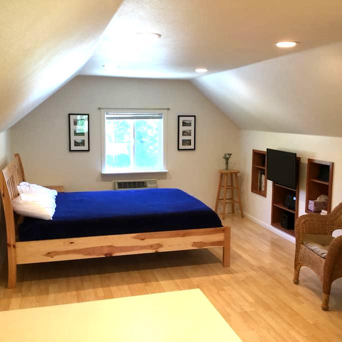 Blue Spruce Loft near Boise State and Downtown! - Boise
