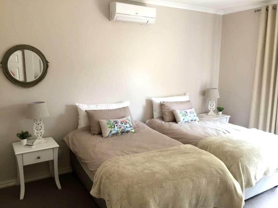Modern en-suite room in la Lucia - Umhlanga - Haus