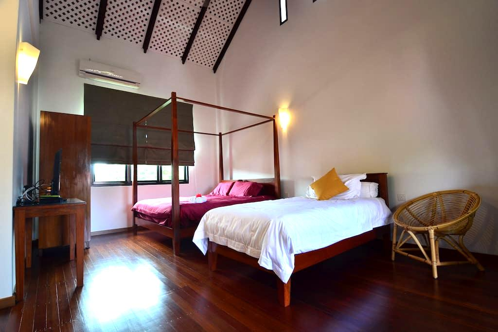 CENTRAL, BIG ROOM, PRIVATE BATHROOM - Malacca - Villa