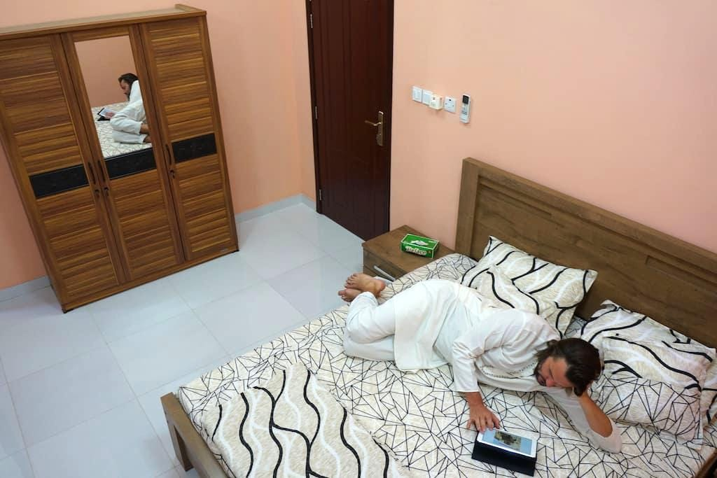 Deluxe triple with ensuite bathroom (room 2) - Muscat - Apartment