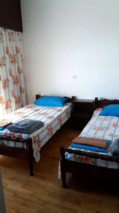 Peaceful House close to Christos Rachon center - Raches