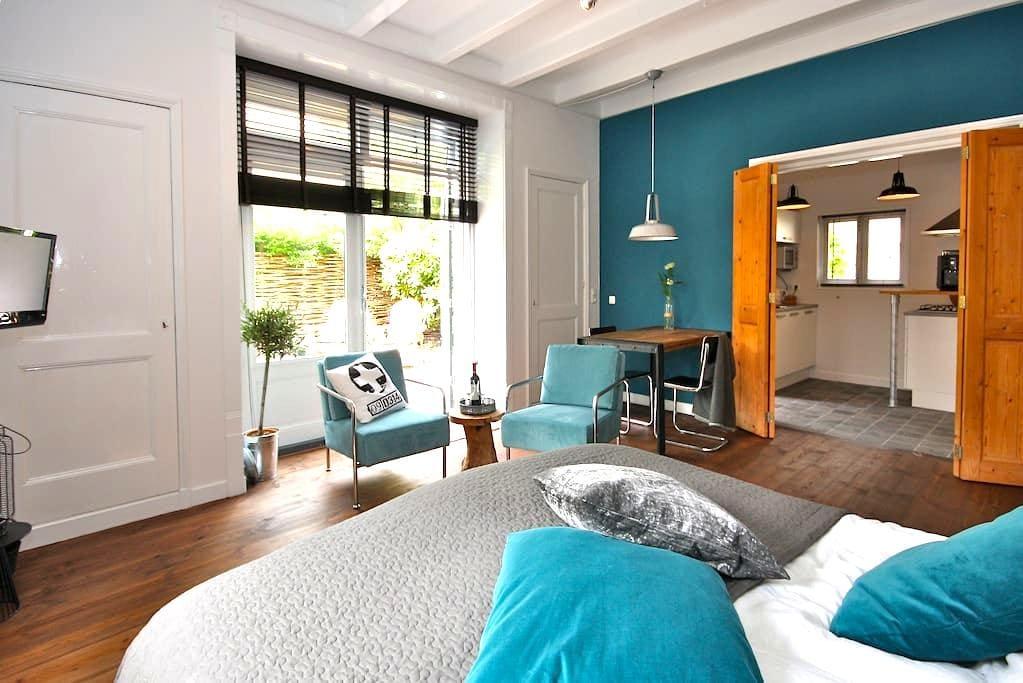 Sfeervol logement in hartje Sneek - Sneek - Apartamento