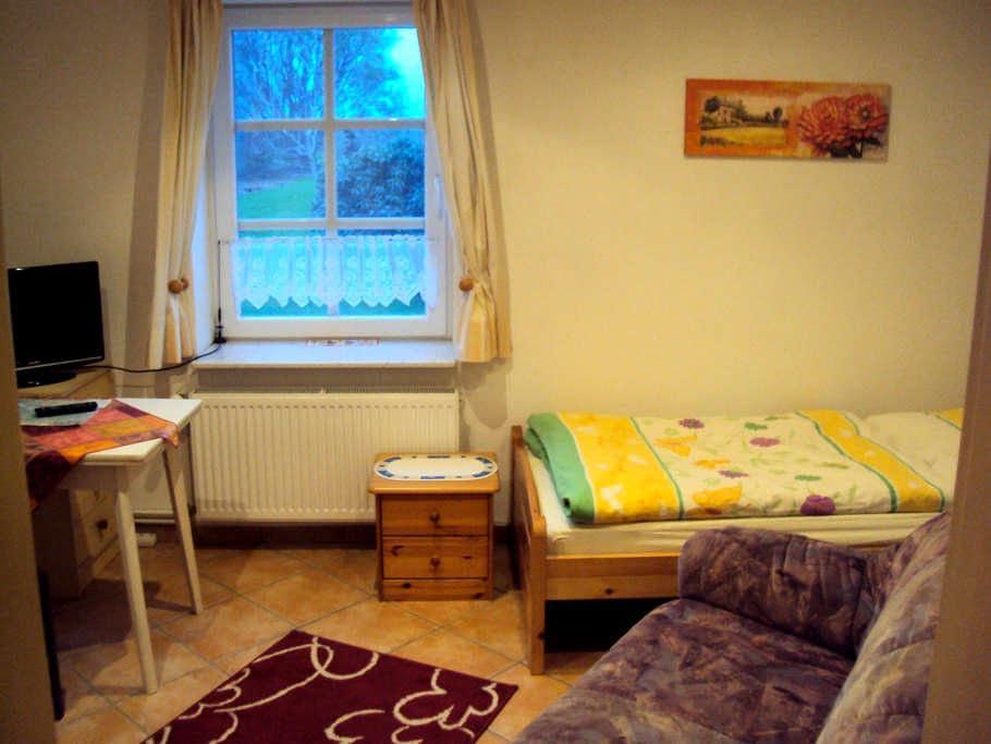 Einzelzimmer Jork südl. von Hamburg - Jork