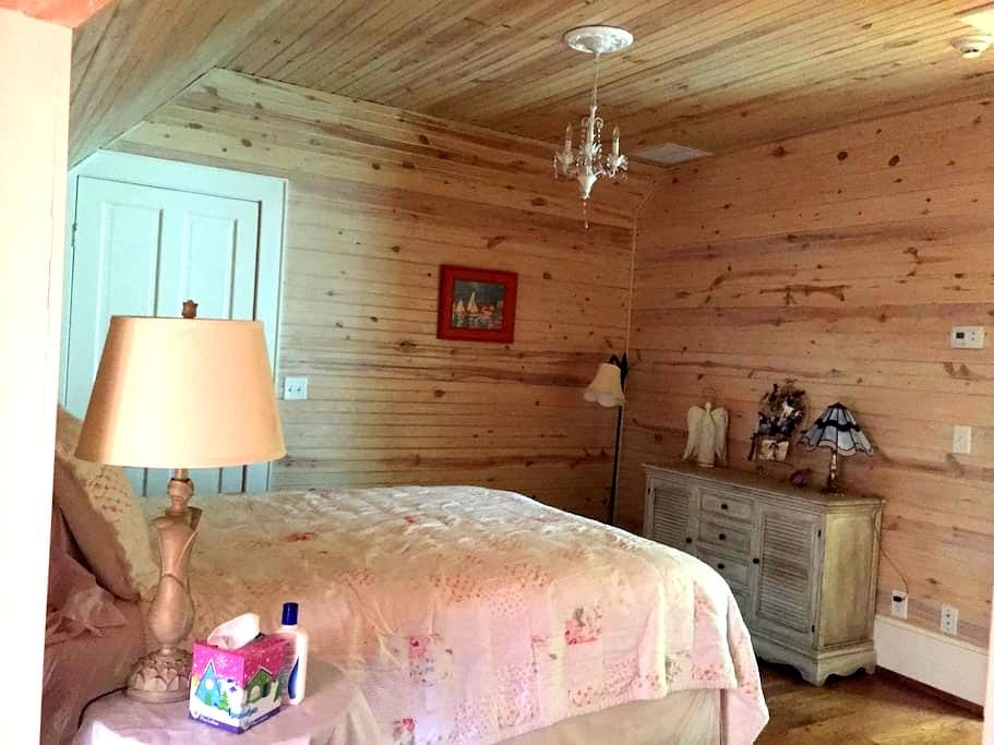 Historic Charmer - Fit for a Queen! - Cookeville - House