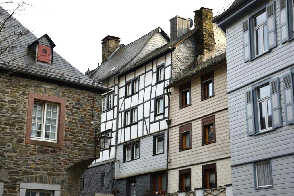 Holiday house 'Monschau Ma Joie' - Monschau - Casa