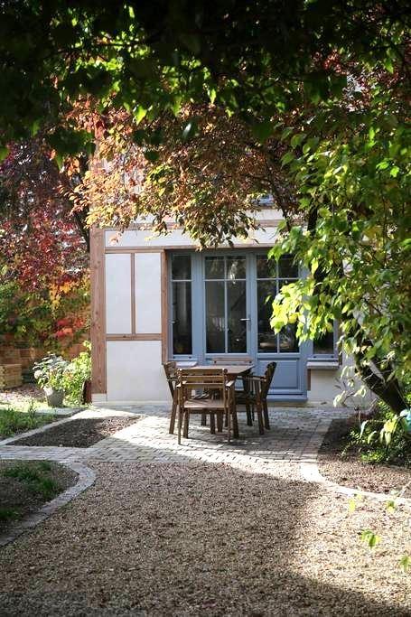 Charming house, 25 min. from Paris - Maisons-Laffitte - Hus