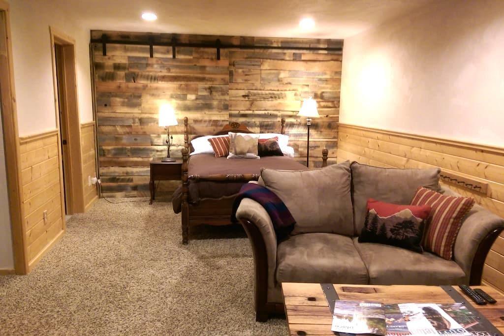 Cozy In-Town Studio Apartment - Driggs - Departamento