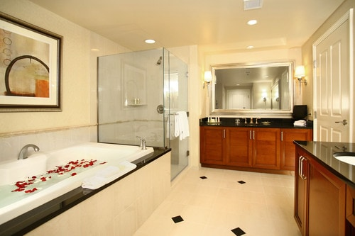 MGM Signature One Bedroom/Two Bath with Balcony!! - Condominiums ...