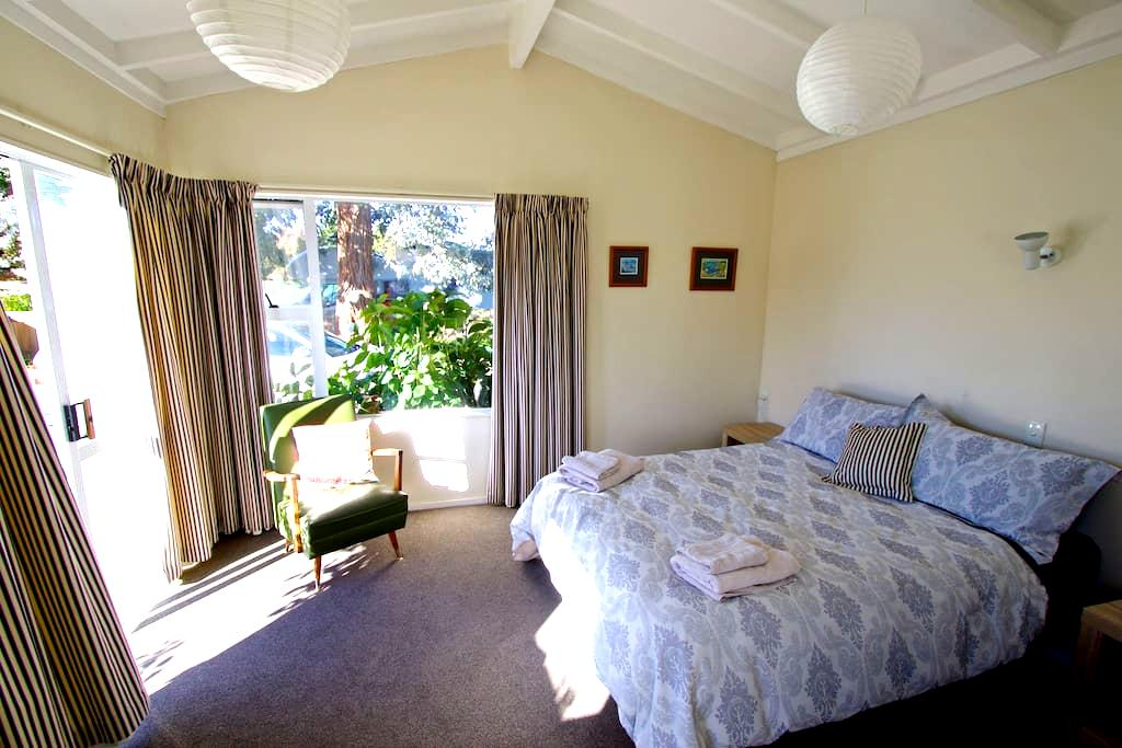 Sunny flat close to town & wineries - Blenheim - Kulübe