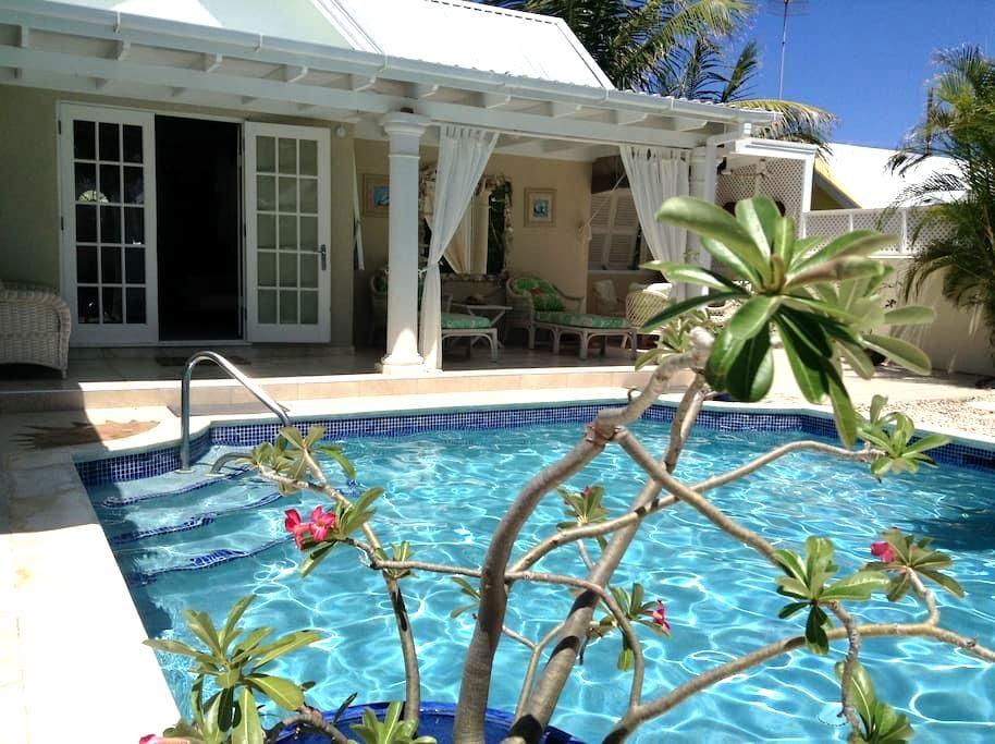 Sunrise Villa , Bottom Bay private garden and pool