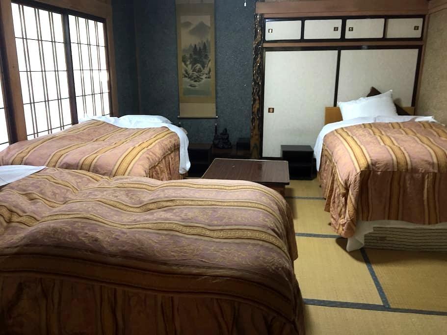 Rm#2 Family/Backpackers: Bed#3 - Hakuba-mura - Huis