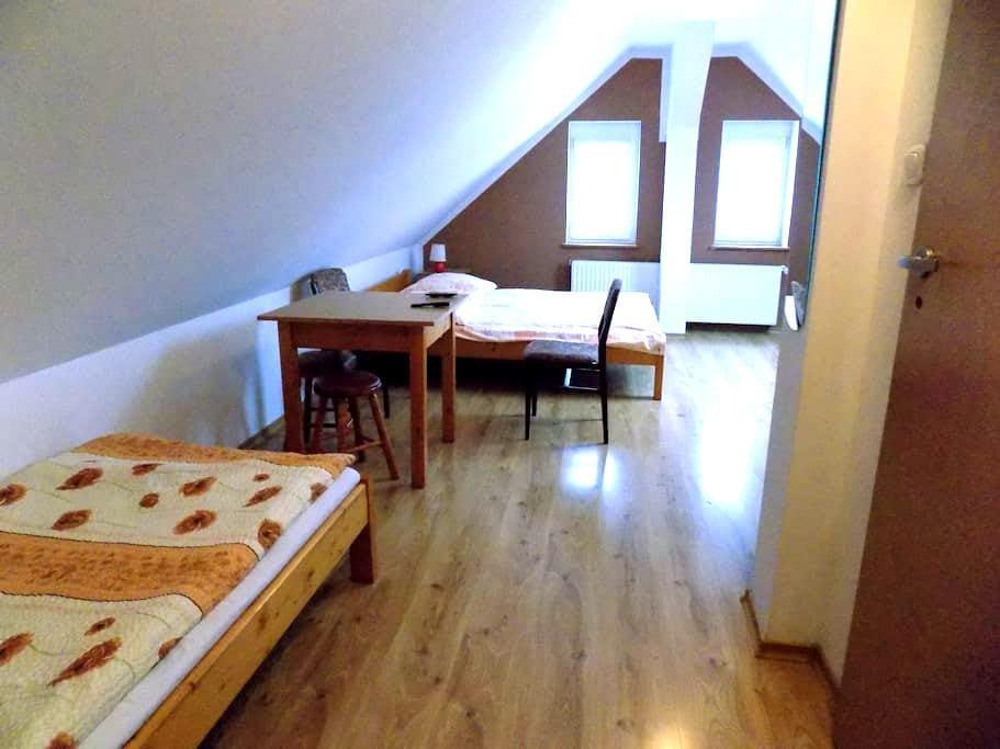 Dom na wzgórzu - Jarków