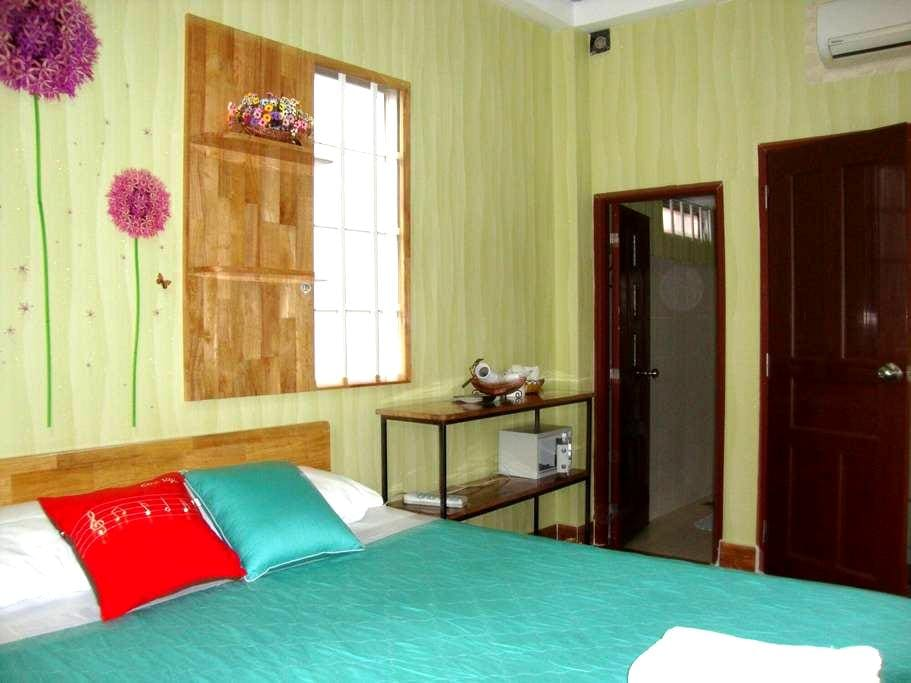 ROOMS in the center BACKPACKER AREA - Ho Chi Minh City - Huis