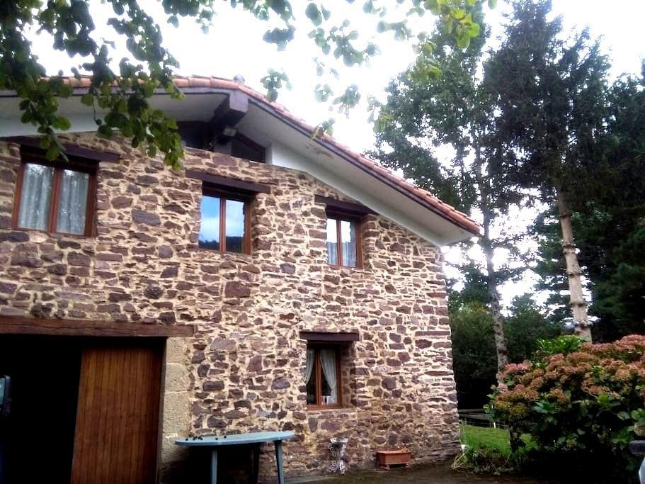 Casa en entorno natural y tranquilo - Eldua