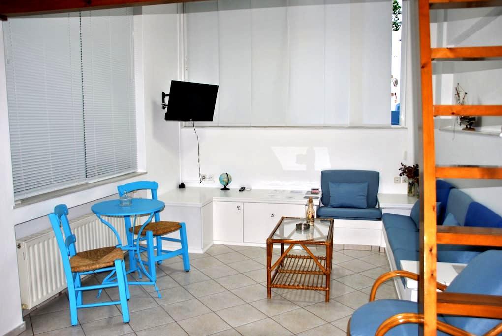 Μονόχωρη γκαρσονιέρα κοντά στο αεροδρόμιο #3 - Nea Alikarnassos - Apartment