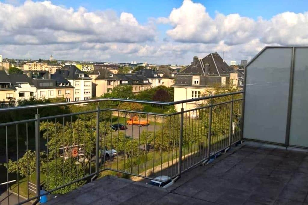 Charming Penthouse in the city center - Luxembourg - Apartamento