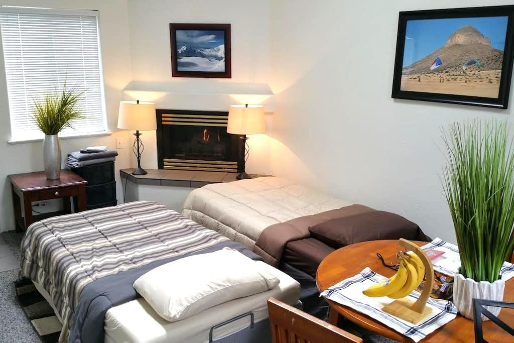 Cozy place to settle in a quiet neighborhood - Monterey - Appartement