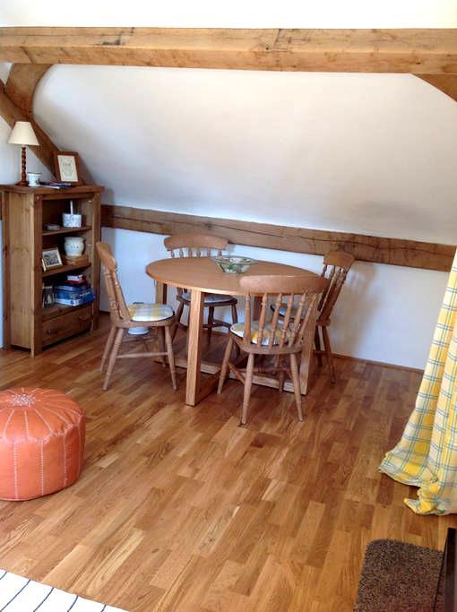 Bell Farm loft, a beautiful rural retreat. - Brundish