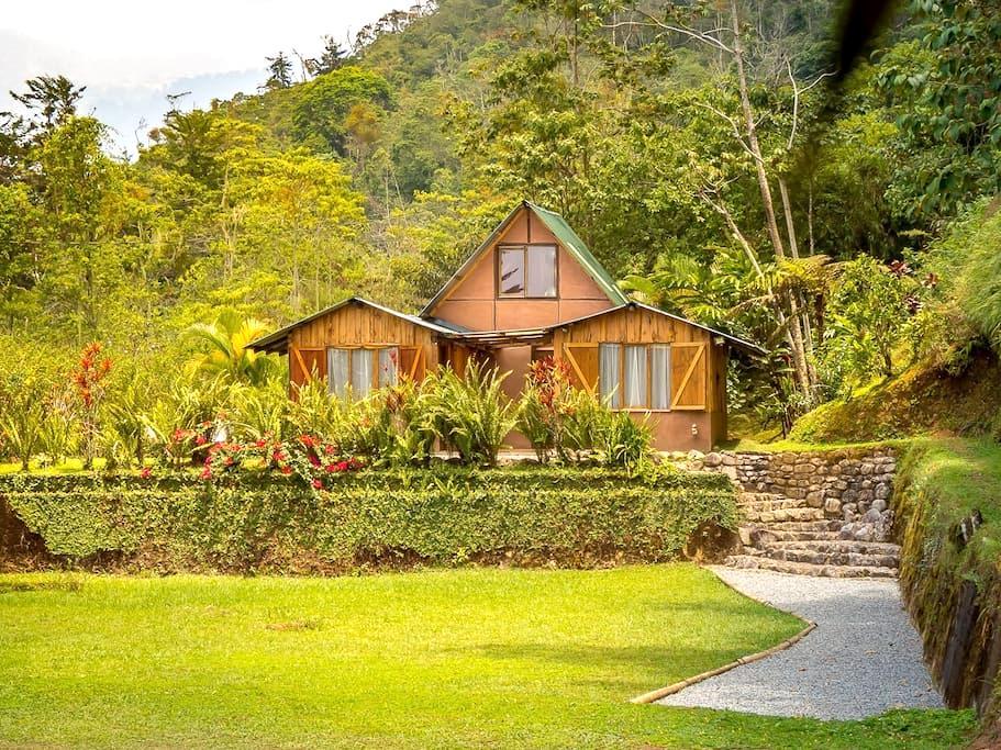 Las gemelas, peace and serenity, Chirripó valley - Chimirol - House