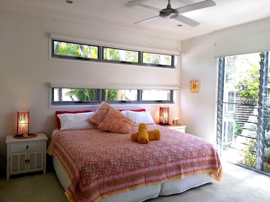 UPMARKET Spacious and  Private I bedroom Apartment - Coolum Beach - Hus
