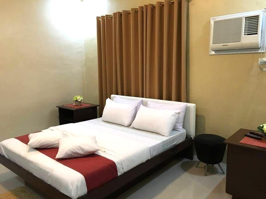 Cozy room with pool access - San Pascual