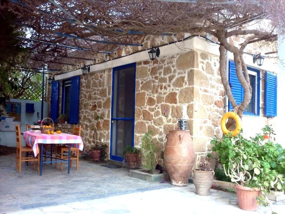 Traditional Cottage by the beach - Sitia