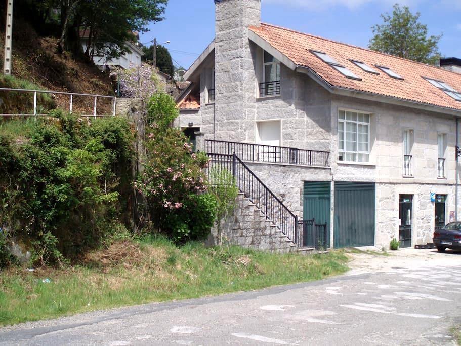 Casa do Poeta - Bubaces (Lobios)
