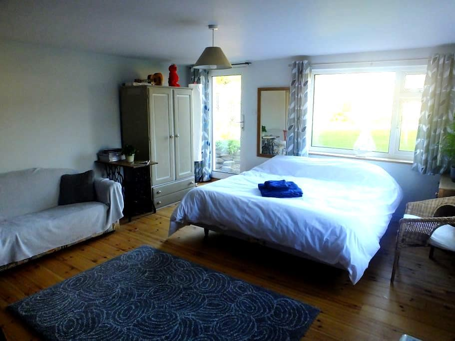 Peace and quiet in Cornish village, up to 4 people - Saint Mabyn - House