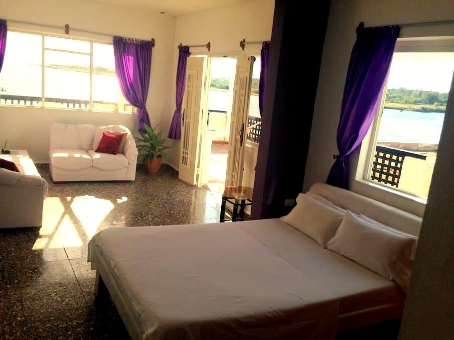 Albert´s Place (lodging, entertaiment and history) - La Habana - Szoba reggelivel