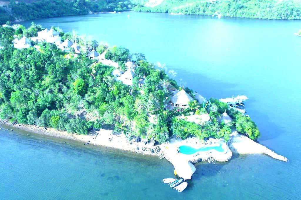 BUSUANGA DIVE RESORT Puerto Del Sol