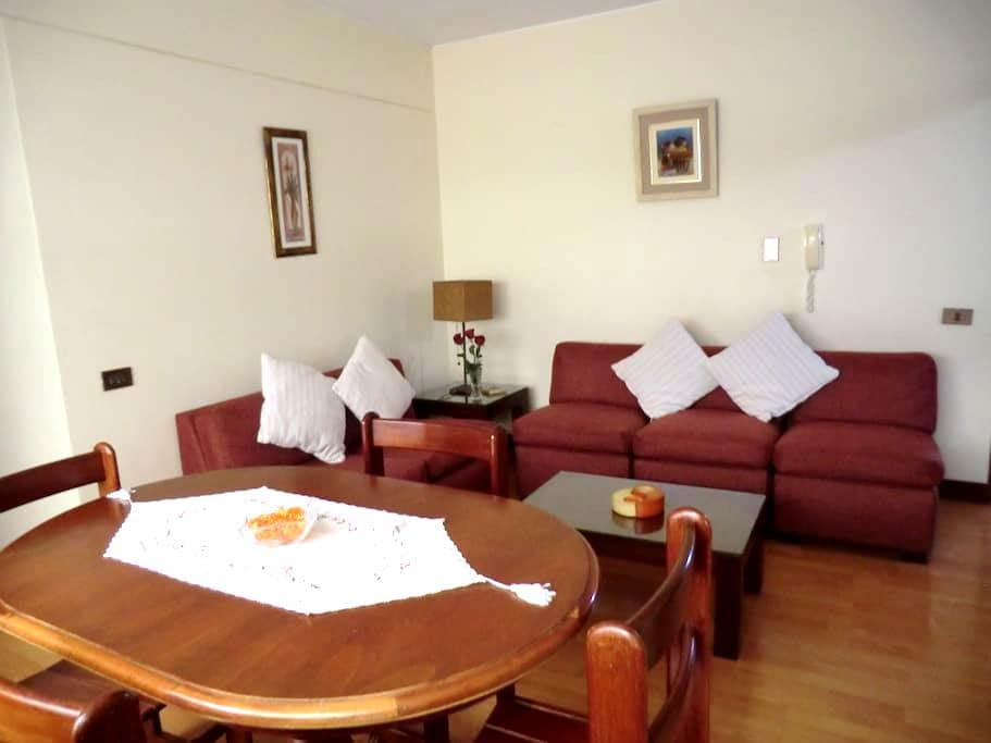 Only 4 blocks from Miraflores heart - Miraflores District - Appartement