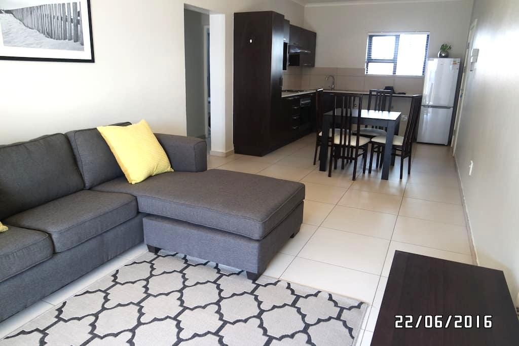 Modern 2 bedroom apartment in a secure  complex - Fourways - Apartment