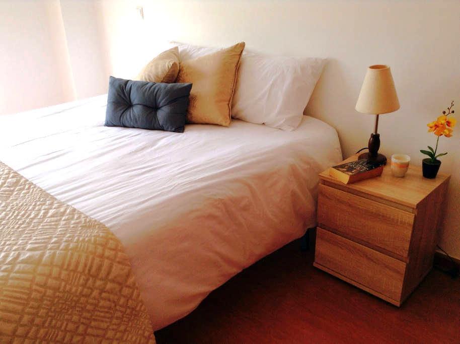 king size bedroom private bathroom - Vila do Bispo - Byt