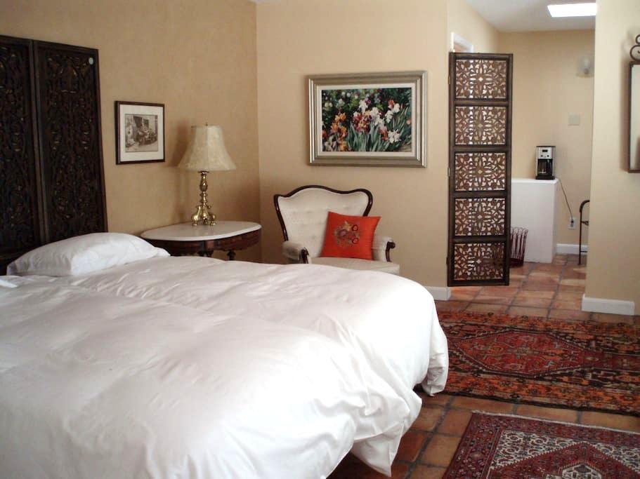 Cozy en suite room,private entrance - Albuquerque - Casa