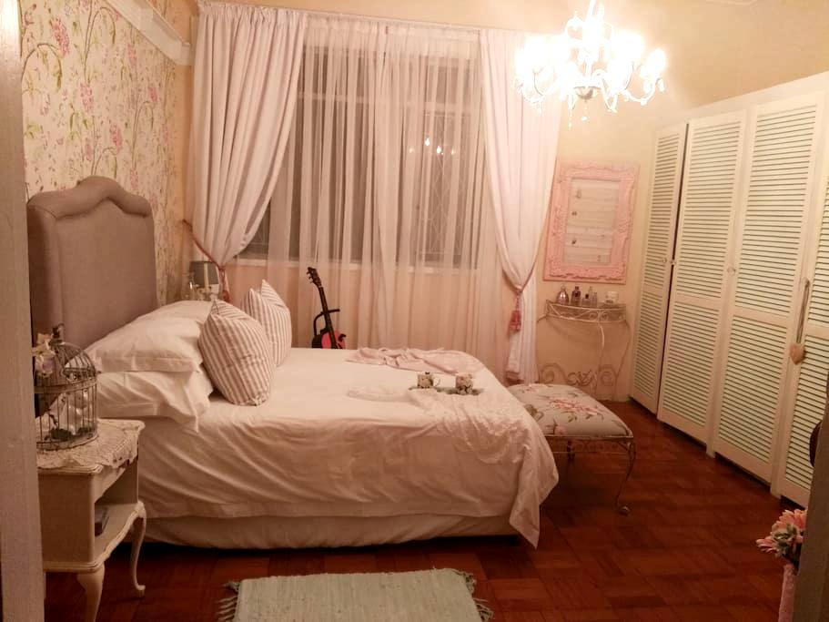 Whispering Oaks: - Port Elizabeth - Rumah