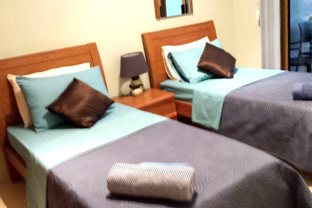 Private rooms and bathroom with breakfast in Gozo. - Victoria - Apartament