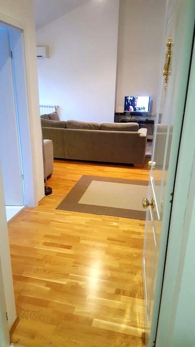Cozy summer apartament with pool - Voluntari - Apartemen