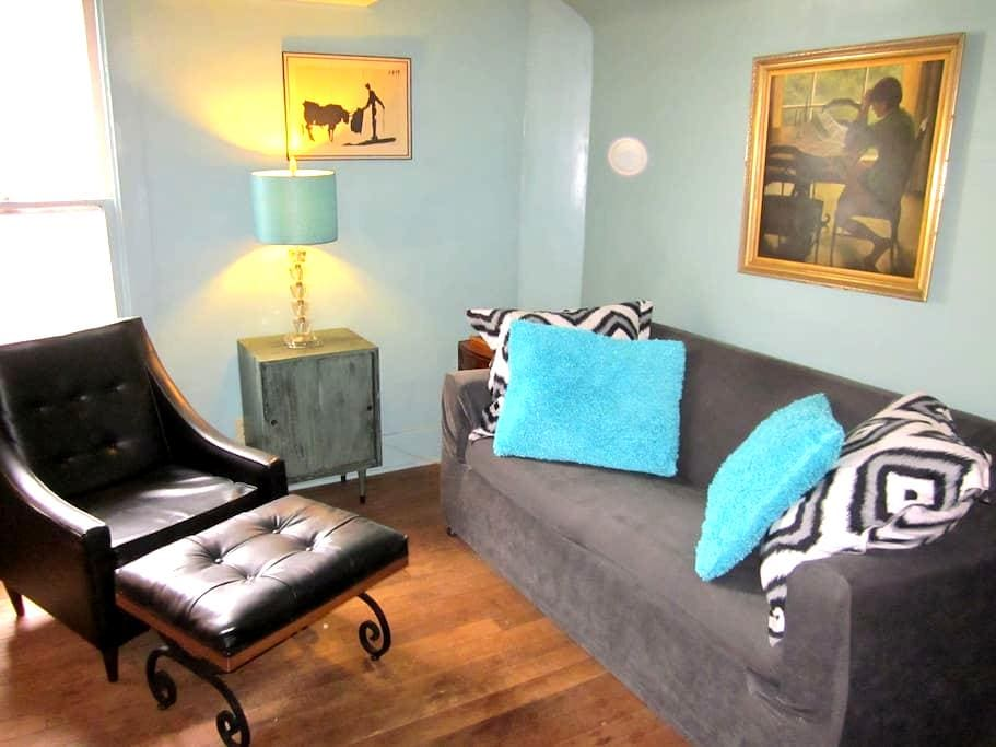 Cozy Vintage Studio - South Bend - Apartamento
