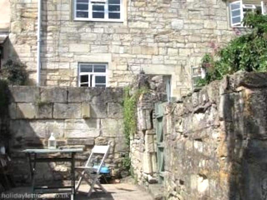 Lovely one bedroom apartment, views - Bradford-on-Avon - Daire