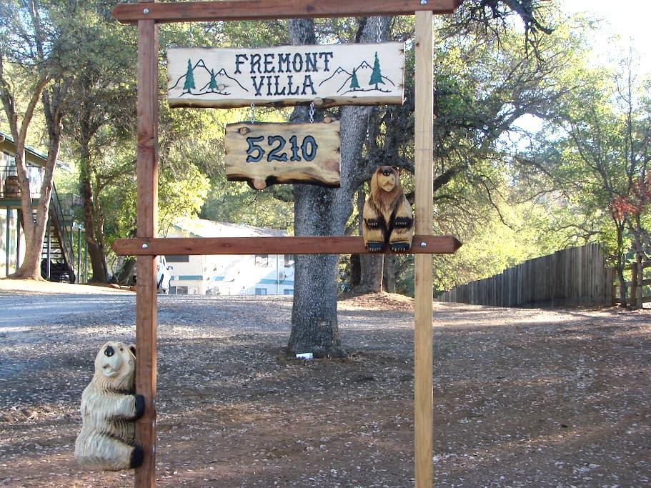 Fremont Villa Bear Retreat - マリポーサ