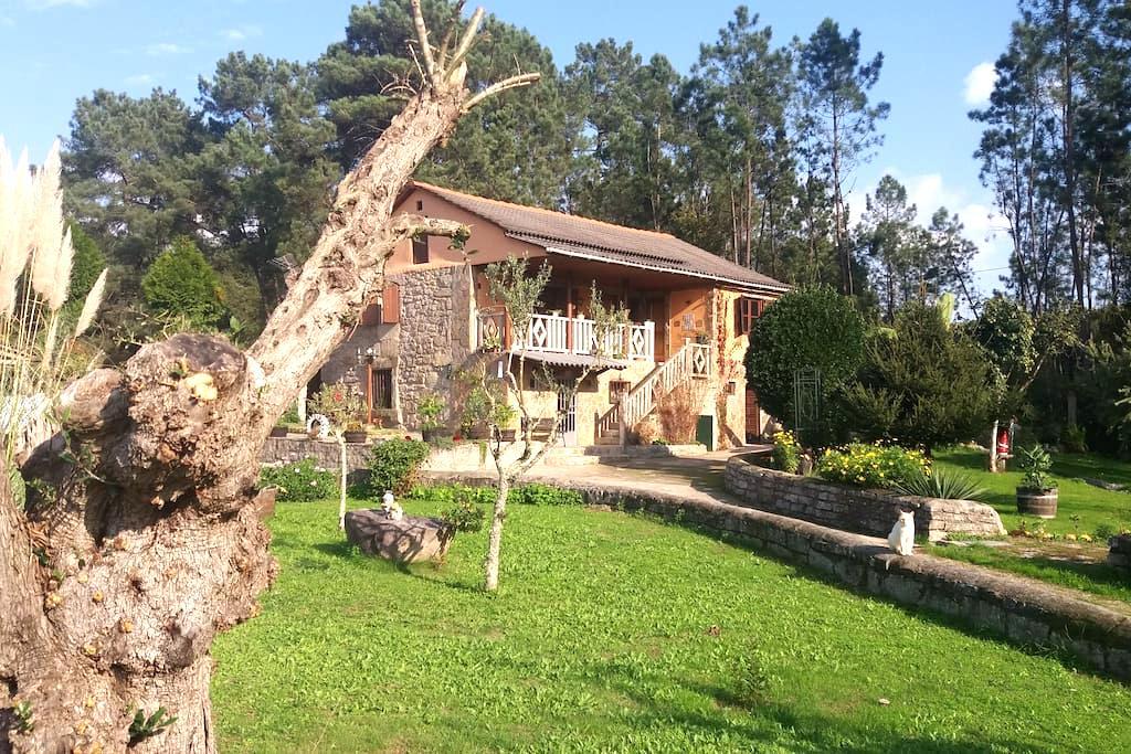 Casa con encanto Mary - cerca de vigo - Bed & Breakfast